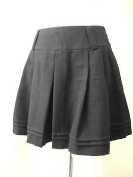 【インエ】タック入り黒ミニスカートです