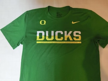 ナイキ【DRI FIT】 【OREGON DUCKS】【DUCKS】ロゴT US S