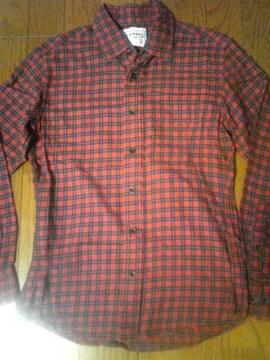 ユニクロチェックネルシャツ赤系美品
