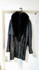 高級 MADE IN FRANCE  ファー付き レザーコート 毛皮コート 黒