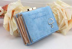 キラキラの傘飾りがカワイイ三つ折り財布