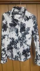フーガベロア花柄長袖シャツ トルネードマート