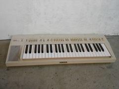 8302☆1スタ☆YAMAHA ポータブルキーボード 電子ピアノ PS-30
