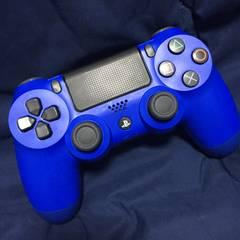 美品 新型デュアルショック4 PS4コントローラー ウェイブブルー