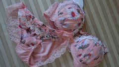 新品ブラ&ショーツセットB75サーモンピンクに可愛い花柄