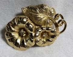 正規美 Diorディオール ヴィンテージ フラワー×リーフ×ライトストーン装飾ゴールドブローチ