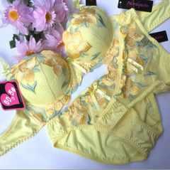 女装☆C80L 刺繍黄色 ブラ&パンティ&Tバック 大きいサイズ