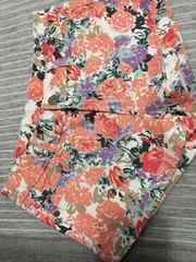 即決新品花柄ショートパンツSサイズ