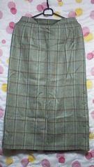美品 日本製ウール100%タイトスカート(W74〜78�p)チェック柄