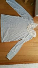 薄い水色系長袖シャツ【Mサイズ】