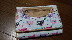 新品☆猫ネコにゃんこ二つ折り財布