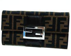 特価品 本物 FENDI フェンディ 二つ折り長財布