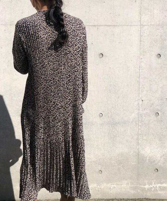 Parks TOKYO☆タグ付き新品♪細プリーツのロング丈ワンピース < 女性ファッションの