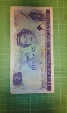 ニュージーランド2ドル紙幣♪