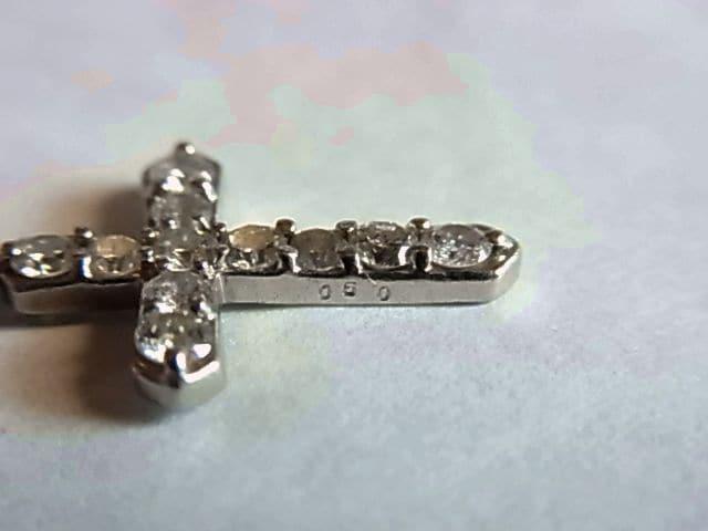 K18金ダイヤ ペンダント0.50ctクロス ホワイトゴールドWG < 男性アクセサリー/時計の