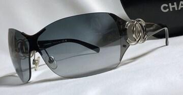 正規 シャネルCHANEL ダブルココマークロゴスポーティー メタルサングラス黒×シルバー 付属