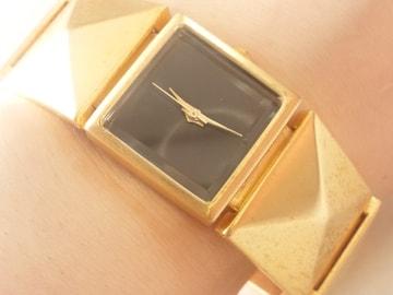 10767/ラバーズブラック★ブレスレット型デザインのレディース腕時計格安出品