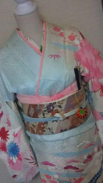 手描訪問着 花菱地紋(袷)丈161裄63桐文様 金駒刺繍 < 女性ファッションの