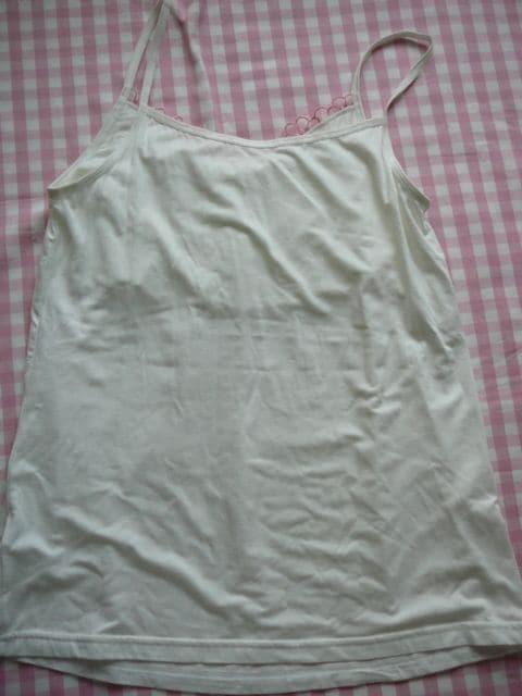 Lサイズインナーキャミソール 白ピンクお花刺繍 < 女性ファッションの