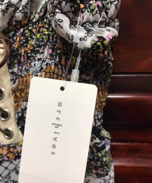 新品アルシーヴ 編み上げデザイン 花柄キャミソールワンピース < ブランドの