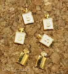 みぢょ!ネイルパーツ香水瓶パフュームボトル/ゴールド×ホワイト/NO.5/2個