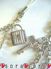 LOVE.二人の愛《鍵&鍵穴》ペア携帯ストラップ