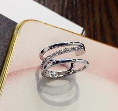 特A品★送料無料★ ダイアモンド 3連 リング 婚約指輪 新品