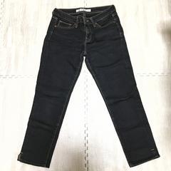 【美品】スキニーフィット 7分丈ブラックデニム/UNIQLO/64cm/黒