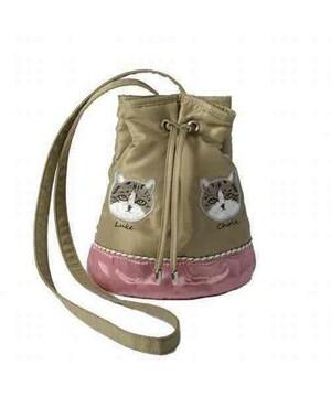 キャセリーニ×高橋愛コラボ・猫刺繍リバーシブル巾着バッグ