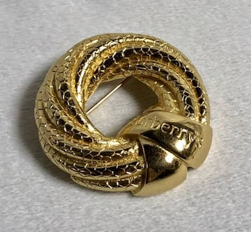 正規美レア Burberryバーバリー ヴィンテージ ロゴ文字スネーク柄 オーバルブローチ金