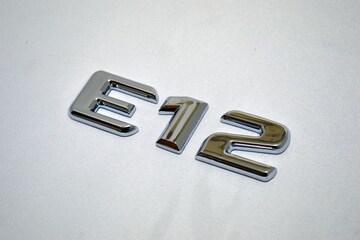 ベンツ風 日産ノート型式エンブレム E12