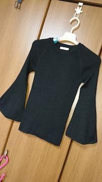 プルオーバー/セーター*袖フレア*黒*F
