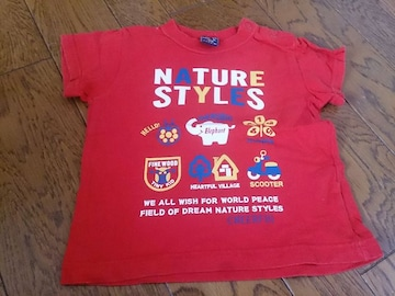 90 赤のTシャツ