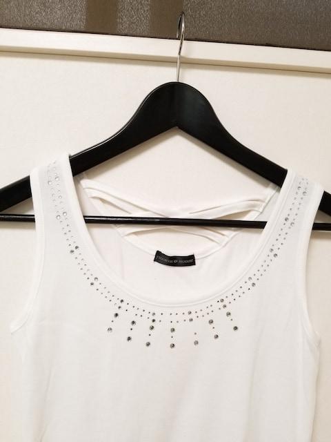 新品◆COOKIE HOUSE◆胸元ラインストーンクロスタンクトップ白M < 女性ファッションの