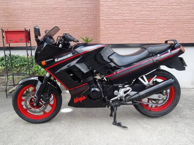 KawasakiのGPX250R�Uダブルデスク 黒!