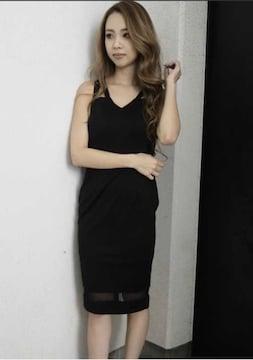 デコルテライン裾シアータイトワンピース