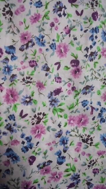 新品 ベネトン 長袖ブラウスM ピンク 青 紫の小花柄