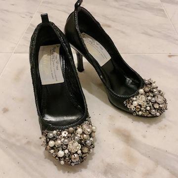 ピッピPippi ビジューギッシリパンプス靴黒35.5